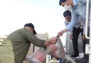 توزیع ۵۰۰ بسته معیشتی به همت مرکز خدمات حوزه علمیه سمنان در مناطق محروم