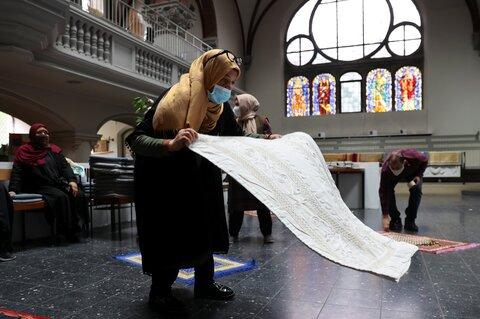 به دلیل سخت گیری ها در بحران کرونا، کلیسای برلین میزبان نماز جمعه مسلمانان