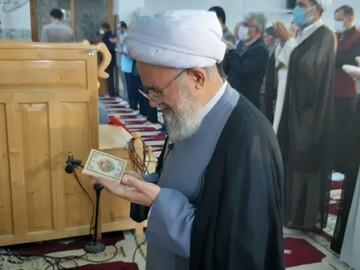 نماز عیدفطر به امامت امام جمعه آران و بیدگل در مسجد ملاشکرالله