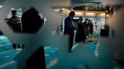 Muslims celebrate Eid al-Fitr amid coronavirus measures