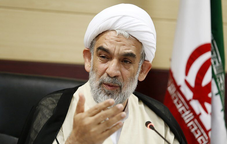 توضیحات معاون دفتر رهبر انقلاب درباره اختلاف نظر فقها در عید فطر