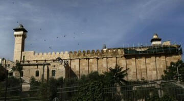 Israeli troops block maintenance of Al-Ibrahimi mosque in Al-Khalil