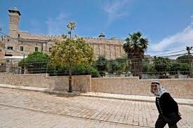 Israel stops call to Muslim prayer at Al-Khalil Ibrahimi mosque