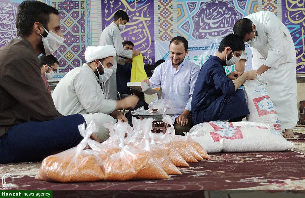 تلاش طلاب جهادی مدرسه الغدیر اهواز برای حمایت از خانوادههای کمبرخوردار