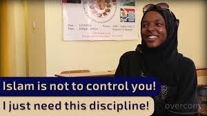 دختر جوان تازه مسلمان: من فکر می کردم دین مرا کنترل خواهد کرد!