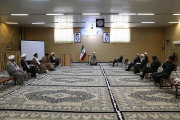 ائمه جماعات «امام محله» باشند/ فعالیت ۱۰۰۰ مسجد در دیار دارالعباده