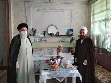 تجلیل نائب رئیس شورای حوزه علمیه یزد از جانباز ۷۰ درصد