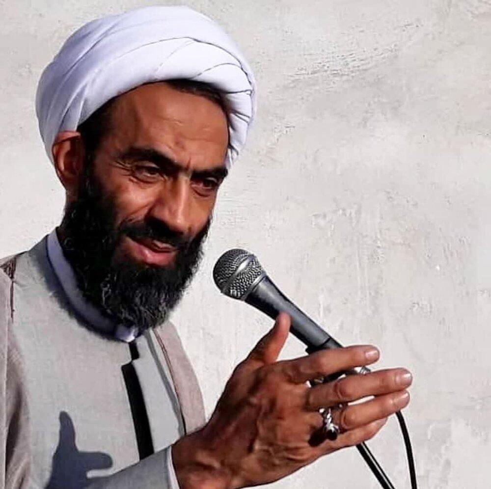خدمت به مردم و استکبار ستیزی ویژگی بارز مکتب امام خمینی(ره) است