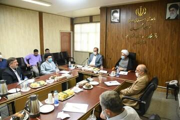 نهادهای حاکمیتی چندان حوزه و دانشگاه را تحویل نمی گیرند