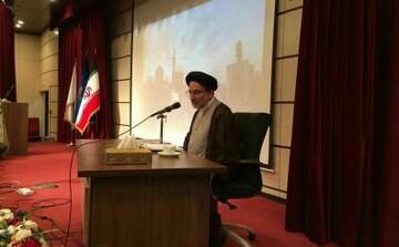 امام راحل پرچم خدامحوری را در جهان برافراشت
