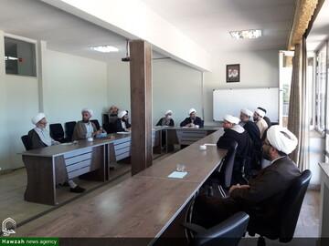 بالصور/ اجتماع المجلس التعليمي للحوزة العلمية بمحافظة أذربيجان الشرقية في إيران