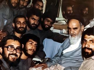 امام خمینی(ره) مکتب تربیتی برای نسل جوان است