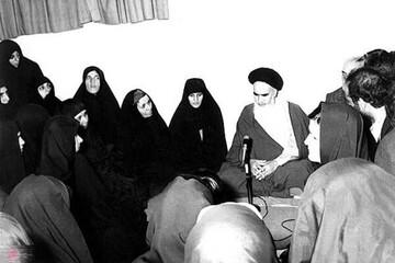 نگاه متعالی امام خمینی(ره) به زنان در مقابل دو نگاه غربگرا و تحجرگرا