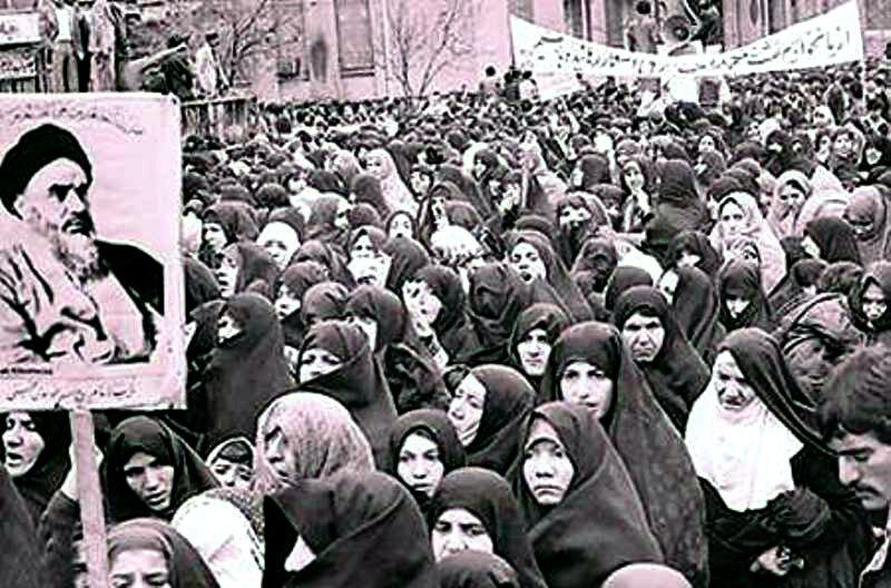 قیام ۱۵خرداد برخاسته از انگیزه مذهبی و ملی علیه استبداد بود