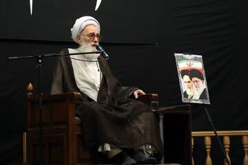 امام خمینی(ره) با اعتقاد و باور انقلاب را به پیروزی رساندند