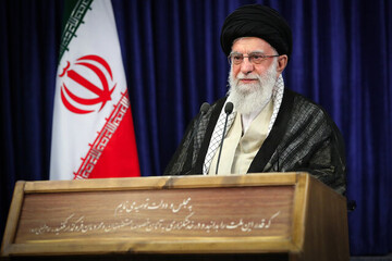 Ayatollah Khamenei: This is the nature of the U.S. governments, a policeman kneels on a black man's neck until he dies
