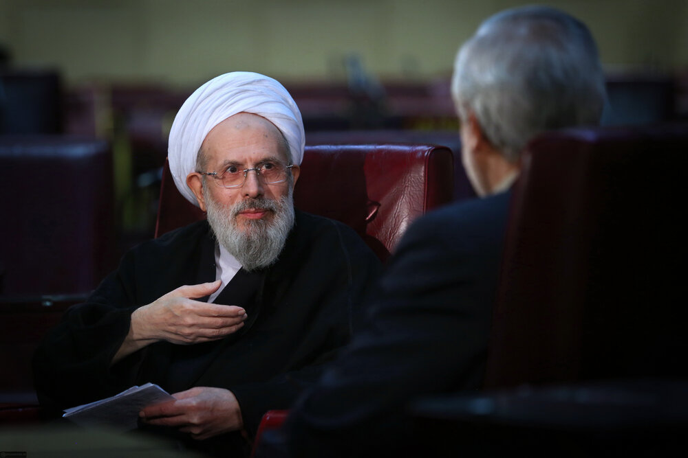 روایتِ دست اول وزیر وقت اطلاعات از ماجرای انتخاب رهبری/ امام(ره) کار را تمام کردند