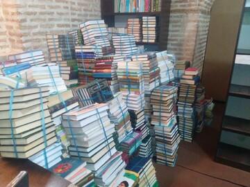 تأمین ۲۰۰۰ جلد کتاب جهت تجهیز کتابخانه مدرسه علمیه سردارین قزوین