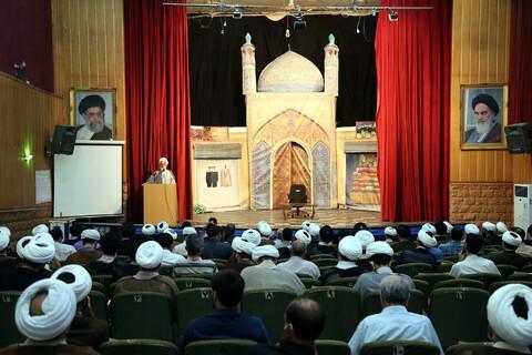تصاویر/ تجليل از مساجد نمونه و فعال قم در زمينه مقابله با ويروس كرونا و برنامههاي ماه مبارك رمضان