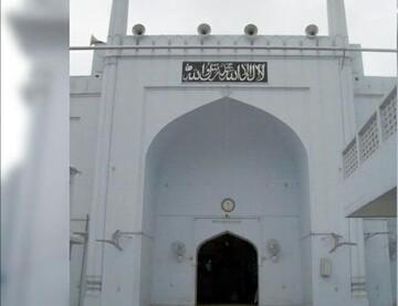 مسجد ۳۵۰ ساله نمونه ای از معماری مغول در هند