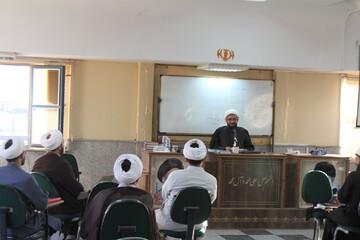 تصاویر / نشست صمیمی امام جمعه همدان با مشاوران تخصصی خانواده