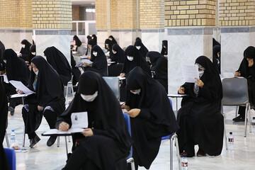 ۵هزار نفر برای ورود به جامعةالزهرا به رقابت پرداختند