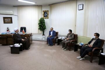 تصاویر/ دیدار مدیرکل امور مالیاتی استان قم با آیت الله اعرافی