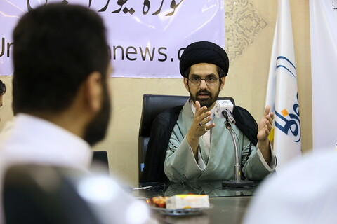 """تصویری رپورٹ """"امریکہ میں جاری مظاہرے پس منظر اور اثرات"""" کے عنوان سے حوزہ نیوز میں خصوصی نشست  منعقد"""