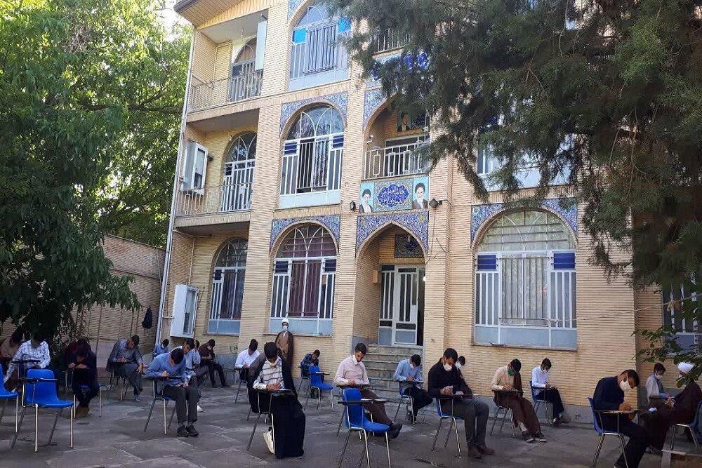 تصاویر/ امتحانات پایان سال حوزه علمیه کرمانشاه