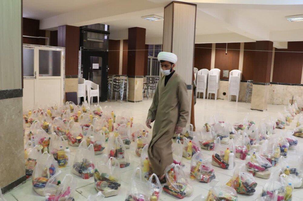 فیلم | توزیع ۱۰۰۰ بسته معیشتی توسط طلاب قرارگاه تبلیغی عمار فارس