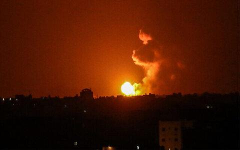 Zionist warplanes strike Gaza, Hamas voice determination to confront annexation