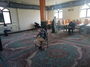 برگزاری امتحانات طلاب نقده با رعایت فاصله گذاری