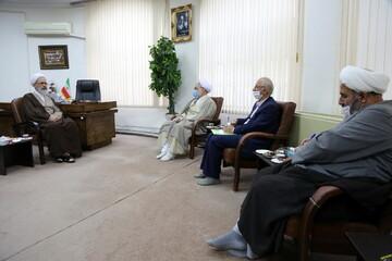 تصاویر/ دیدار رئیس سازمان بسیج اساتید، طلاب و روحانیون کشور با آیت الله اعرافی