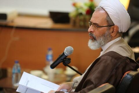 آية الله الأعرافي يتفقد المركز التخصصي للفلسفة الإسلامية بقم المقدسة
