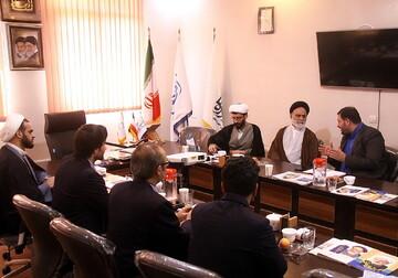 تصاویر/ نشست مدیران روابط عمومی حرم حضرت معصومه(س) با رسانه رسمی حوزه