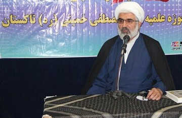 دشمن می خواهد روحیه انقلابی ملت ایران را نابود کند