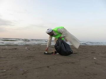فیلم| حرکت جهادی روحانیون در کنار ساحل دریای خزر