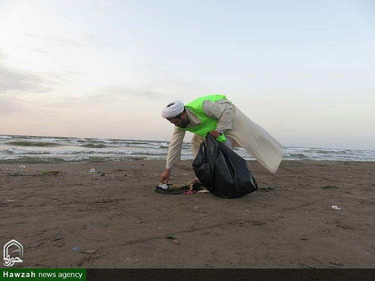 تصاویر شما/ پاکسازی سواحل دریای خز توسط روحانیان مستقر سازمان تبلیغات گیلان
