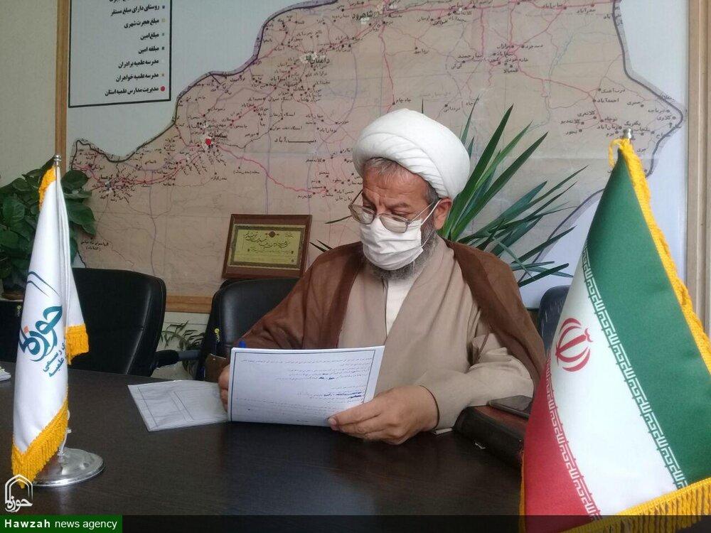 مدیر حوزه علمیه سمنان به کمپین «من ماسک میزنم» پیوست