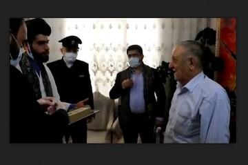 فیلم | تجلیل از خیر کاشانی تأمین کننده گلاب حرم رضوی