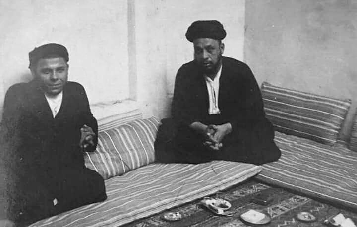 عکس قدیمی از شهید سید محمد باقر صدر در کنار برادرش