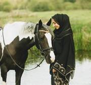 دختر مسلمان بریتانیایی از سوارکاری باحجاب میگوید