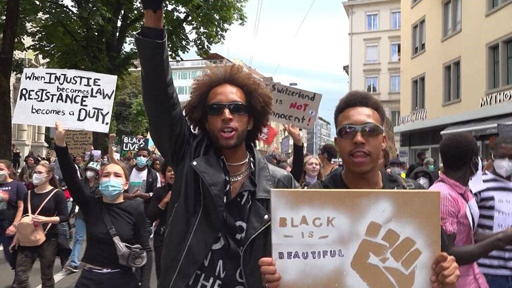 شکاف ثروت میان مردم سیاهپوست و سفیدپوست در آمریکا به روایت هیسپان تی وی