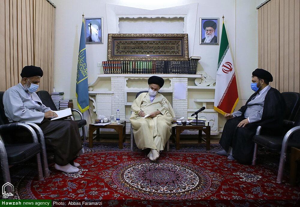 تصاویر/ دیدار هیئت رئیسه مجمع نمایندگان طلاب با آیت الله حسینی بوشهری