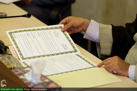 بالصور/ توقيع مذكرة تفاهم بين مركز إدارة الحوزات العلمية وكلية الدين والإعلام بقم المقدسة