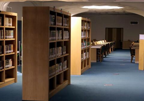 تصاویری از کتابخانه آستان مقدس حضرت فاطمه معصومه(س)