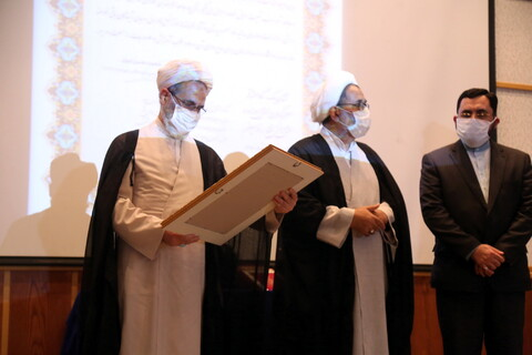 اختتامیه هفتمین جشنواره هنر آسمانی در سالن اجتماعات مدرسه علمیه معصومیه