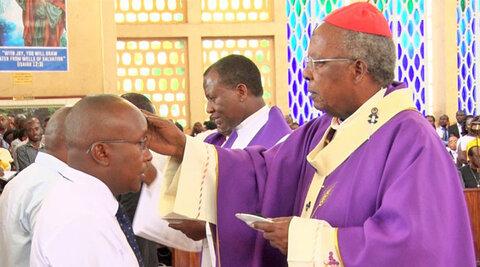 بازگشایی کلیساهای نایروبی تا یک هفته دیگر، مساجد بسته میمانند