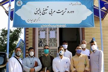 فیلم | تاثیر حضور طلبههای جهادی در کنار بیماران کرونایی