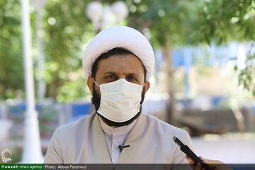 طلاب و اساتید حوزه تهران موظف به زدن ماسک شدند